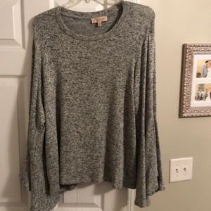 Grey Sweater with bell-sleeves